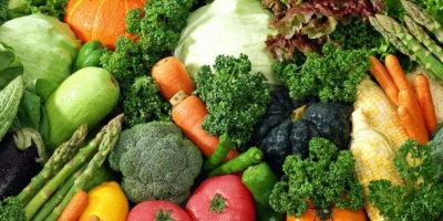 Bổ sung nhiều rau xanh hoặc chất xơ hòa tan tự nhiên