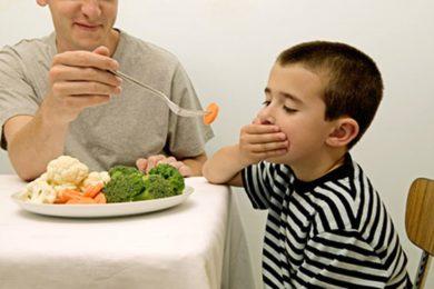 Táo bón gây biếng ăn ở trẻ