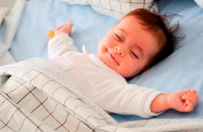 Giấc ngủ ảnh hưởng đến sự phát triển chiều cao của bé