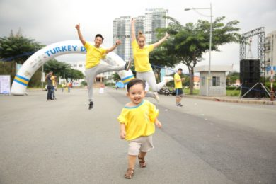Trẻ chạy bộ giúp triển chiều cao