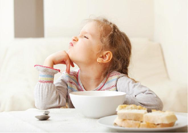 5 dấu hiệu cho thấy trẻ biếng ăn